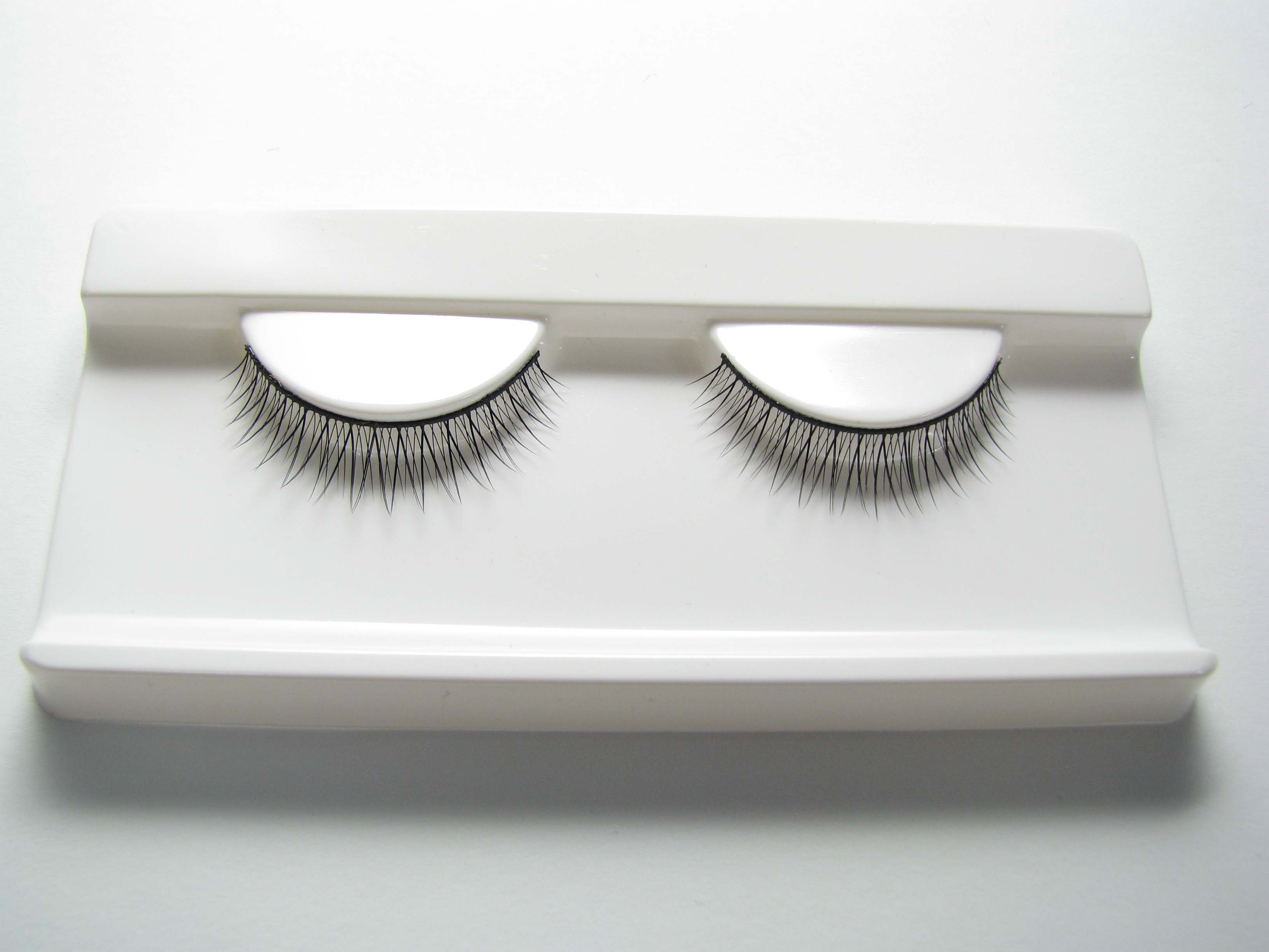 False eyelash