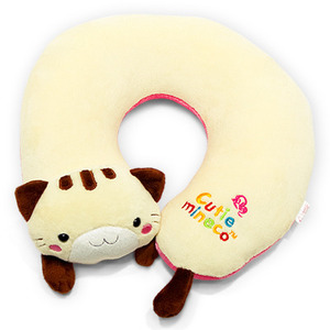 U-shaped plush cat pillow  Made in Korea