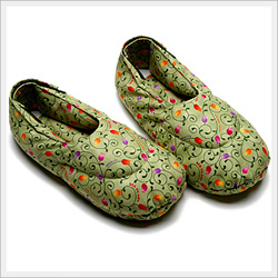 Herbal Heat Packs for Feet (One Pair)  Made in Korea